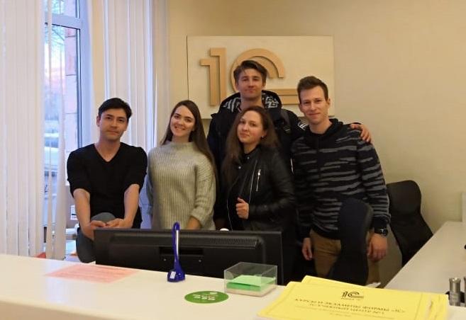 Максим Стрельцов 1с:Клуб программистов